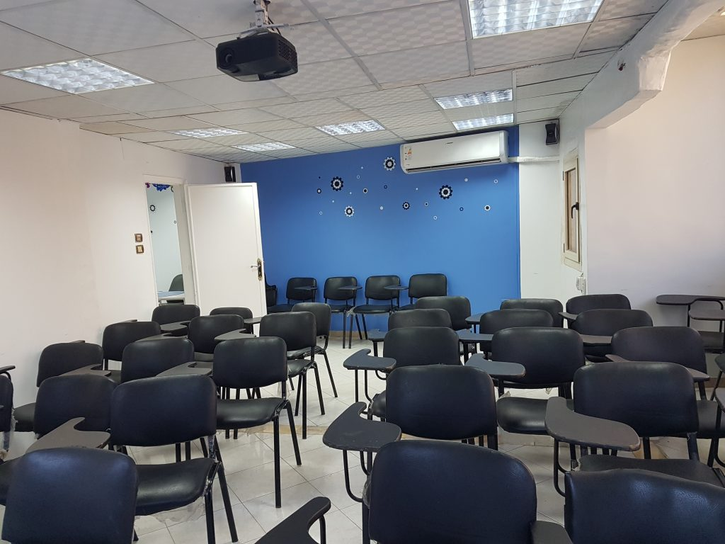 قاعات تدريبية كبيرة للإيجار